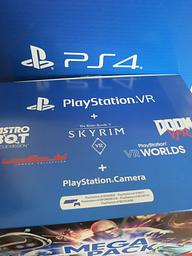 Vorschaubild Playstation4 PS4 Slim inkl. Virtual Reality VR-Headset v2 · 300€